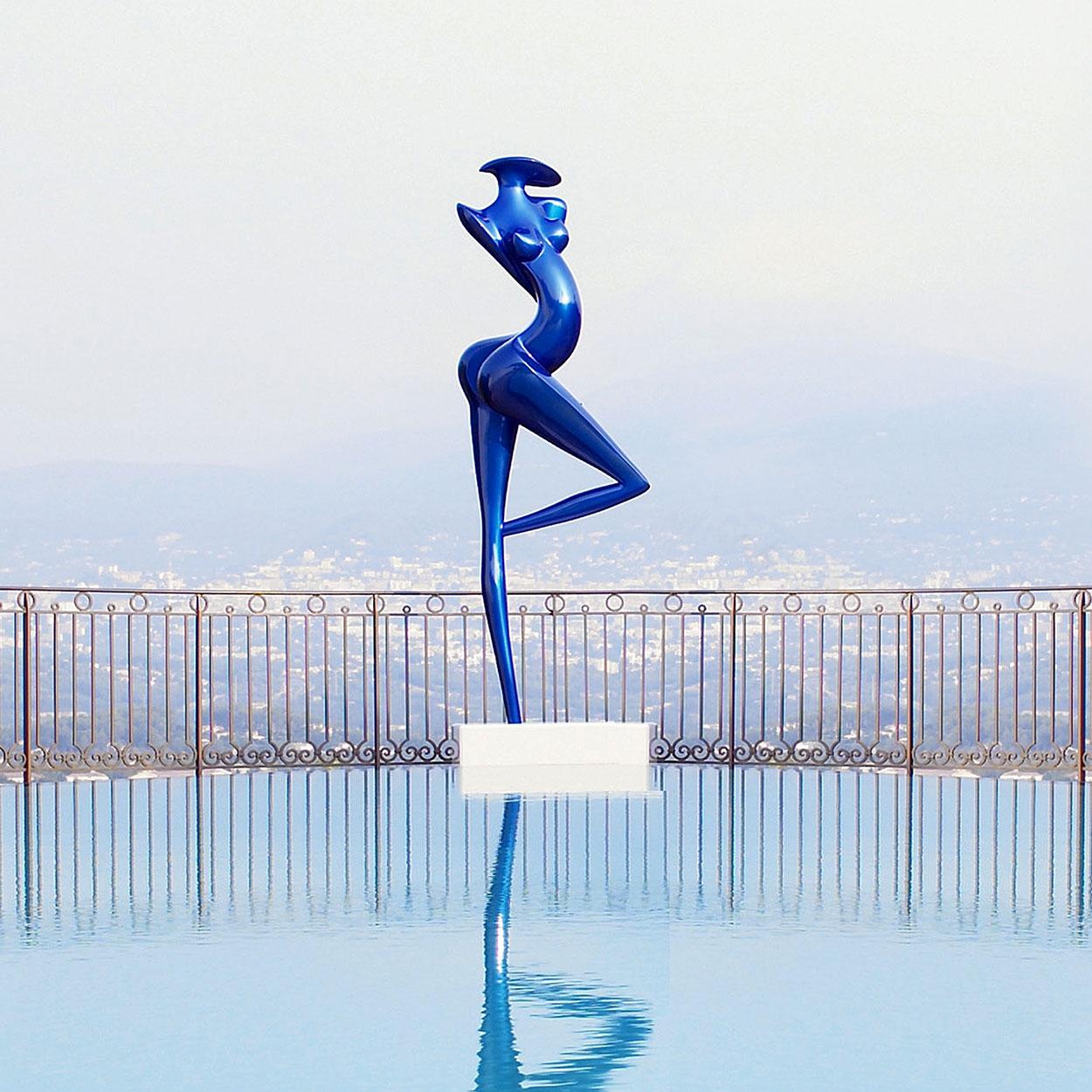 Danseuse, 3 metres Monumental sculpture in carbon