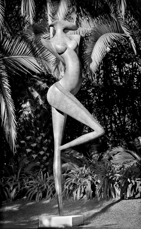 Danseuse, scultpture monumentale en bronze de Marion Bürklé